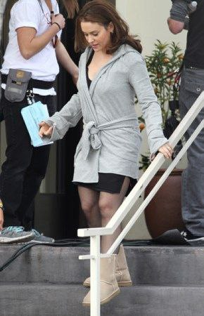 Alyssa - Mistresses - On the set with Milo, 26. 03. 2012