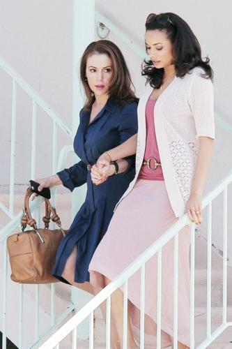 Alyssa - Mistresses - On the set with Rochelle Aytes, 27. 03. 2012