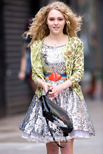 AnnaSophia - On set of 'The Carrie Diaries' - April 1st, 2012