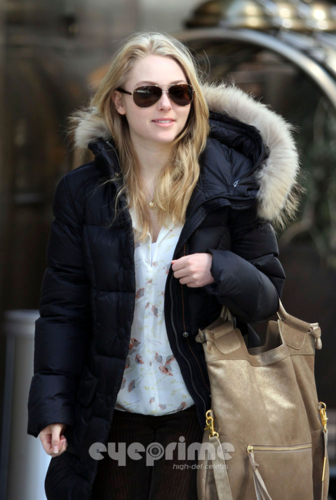 AnnaSophia - Out & About in NYC - April 2nd, 2012 - annasophia-robb Photo