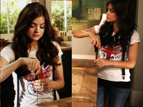 Aria Montgomery वॉलपेपर possibly containing a sign entitled Aria Montgomery Style