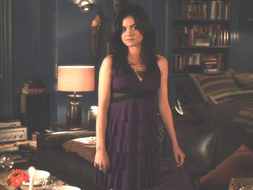 Aria Montgomery वॉलपेपर entitled Aria Montgomery
