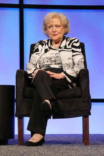 Betty White (2012)