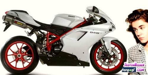 Bieber bought Ducati $20,000 Superbike 848 EVO