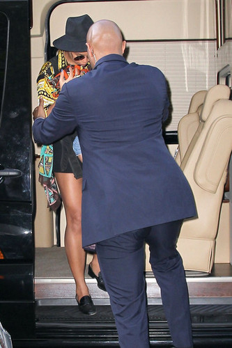 Beyonce wallpaper containing a business suit, a well dressed person, and a hip boot entitled Brooklyn NYC [17 April 2012]
