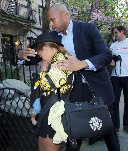 Brooklyn NYC [17 April 2012] - beyonce Photo