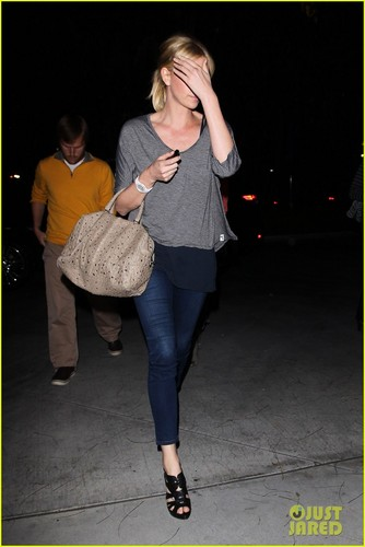 Charlize Theron: Lakers Game with Mom