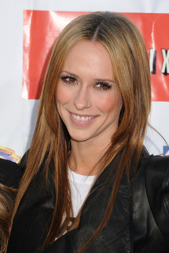 Cystic Fibrosis Foundations Annual Block Party On Wisteria Lane [21 April 2012] - jennifer-love-hewitt Photo