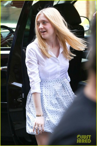 Dakota Fanning: Tribeca Film Festival Cutie - dakota-fanning Photo