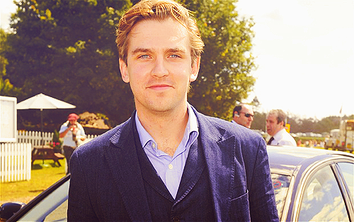 Dan Stevens wallpaper possibly with a business suit titled Dan <3