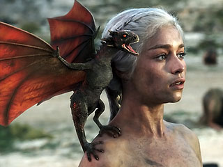 Dany with one of her ड्रॅगन्स