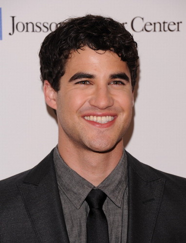 Darren attends the Jonsson Cancer Center Foundation's 17th Annual Taste Cure Gala 20/04/12 - darren-criss Photo