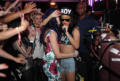 Day 3 of Coachella Music & Arts Festival in California  [15 April 2012] - katy-perry Photo