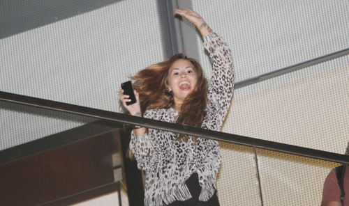 Demi - Greets mashabiki from the Westin De San Isidro hotel balcony in Lima, Peru - April 16th 2012