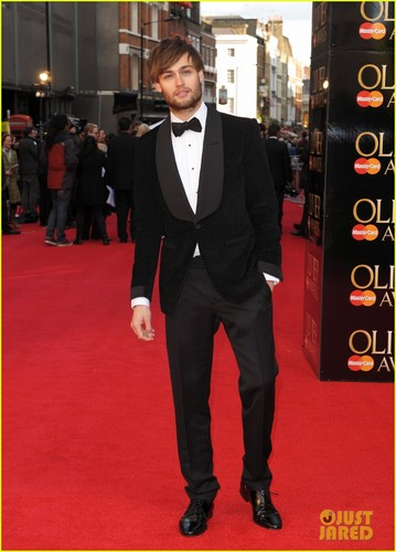 Douglas Booth: Olivier Awards 2012!