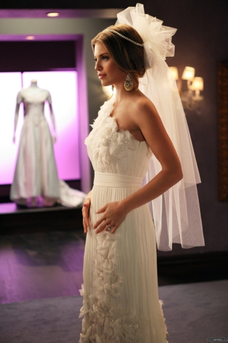 Episode Stills - Bride and Prejudice (4x21) - 90210 Photo