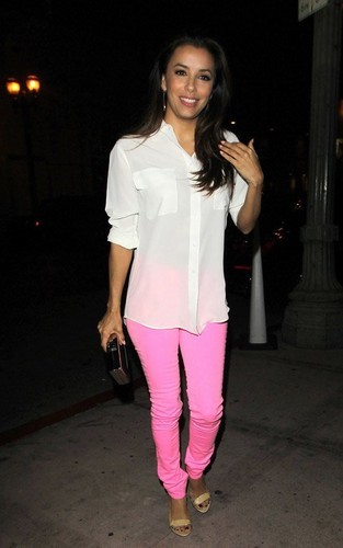 Eva Longoria arriving at Beso (April 23) - eva-longoria Photo
