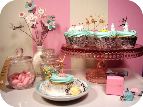 Yorkshire Rose Wallpaper Containing A Bouquet And Cupcake Called Fairy Birthday Cupcakes For Berni