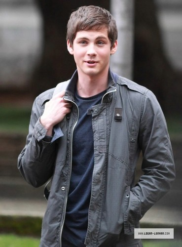 Filming - April 19, 2012 - logan-lerman Photo
