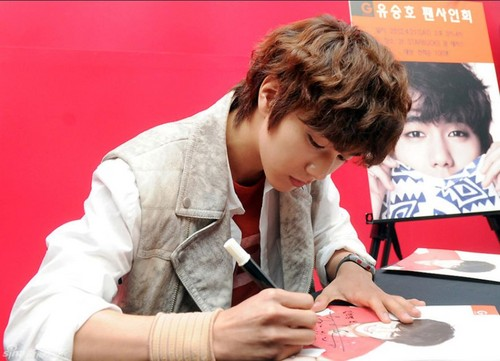 GBG Fan Signing Event (042112)