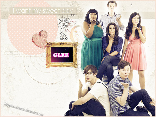 Glee wallpaper probably with a sign titled Glee!