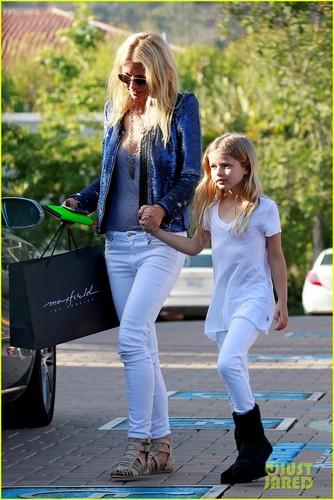 Gwyneth Paltrow: Shopping with 林檎, アップル