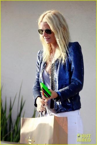 Gwyneth Paltrow: Shopping with सेब
