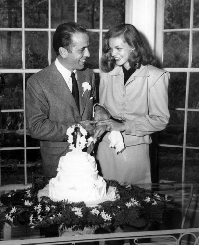 Humphrey Bogart and Lauren Bacall - classic-movies Photo