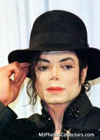 I DAYDREAM ABOUT tu ALL día LONG MICHAEL