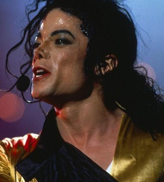 IS IT HOT IN HERE, OR IS IT MICHAEL??? Sweaty, sexy Michael…