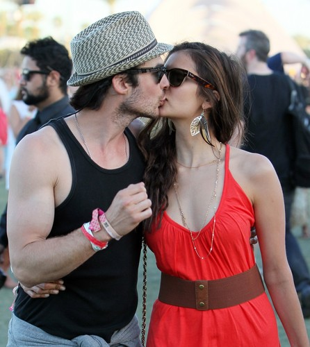 Ian Somerhalder e Nina Dobrev wallpaper with sunglasses titled Ian/Nina baciare HQ ღ