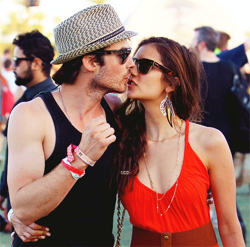 Ian Somerhalder e Nina Dobrev wallpaper with sunglasses titled Ian/Nina ღ