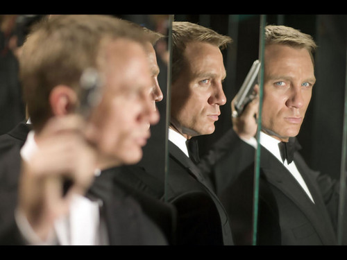 James Bond - daniel-craig Wallpaper