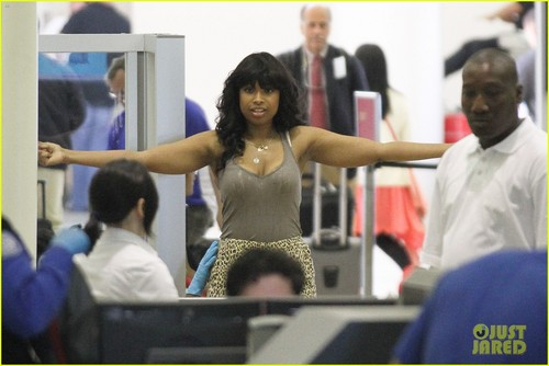 Jennifer Hudson: LAX Pat Down