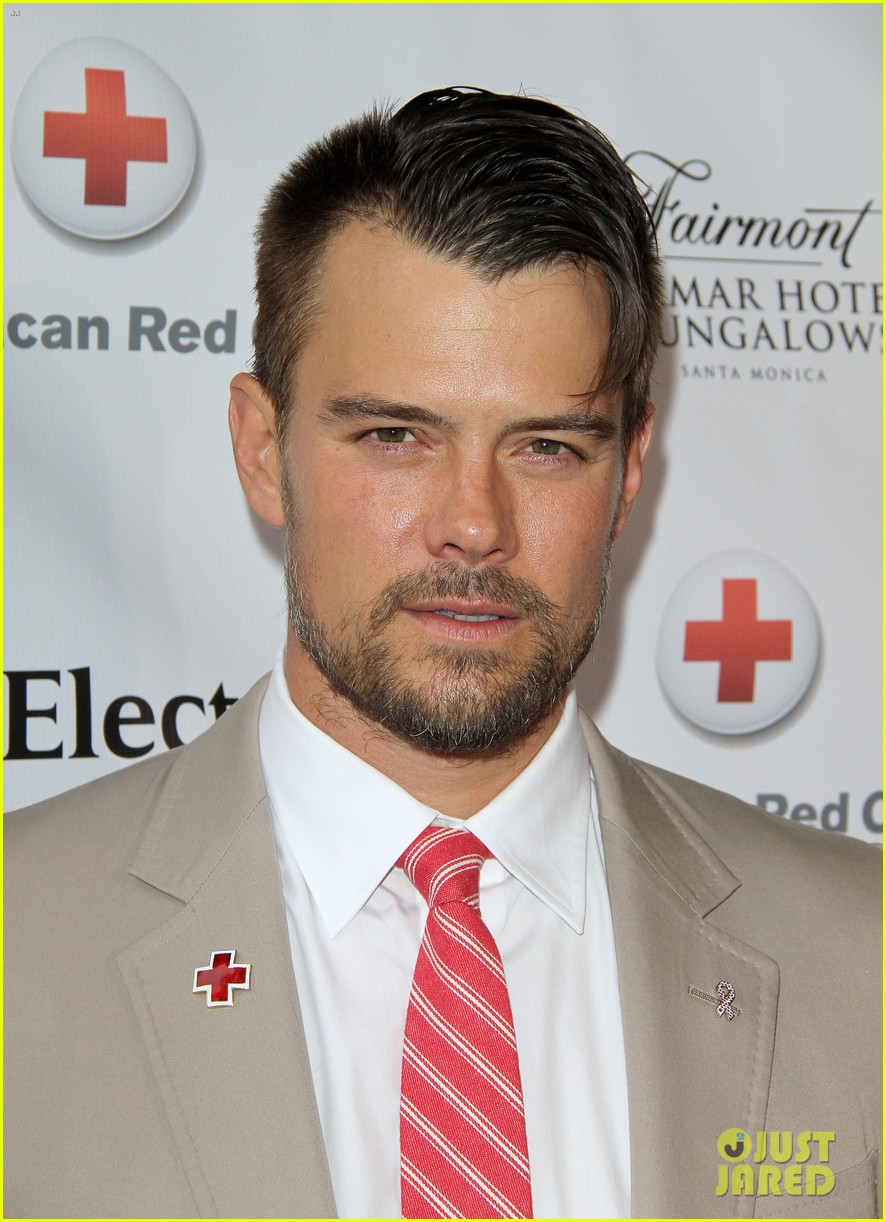 Josh Duhamel Red Tie Affair!