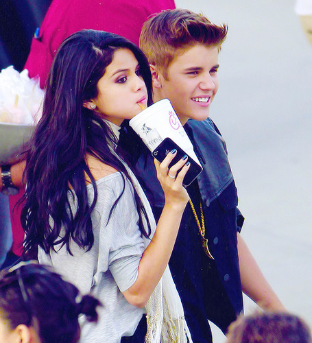 Justin Bieber and Selena Gomez images Justin and Selena wallpaper and background photos
