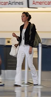 Kate leaving for vacation with her family