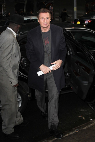 Liam Neeson wallpaper with a business suit called Liam Neeson Visits Talk Shows in NYC