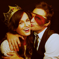 Elizabeth Reaser wallpaper probably containing sunglasses called Liz.