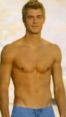 H2O: Just Add Water Fan Club! wallpaper possibly with a six pack, a hunk, and skin titled Luke Mitchell (Will Benjamin)