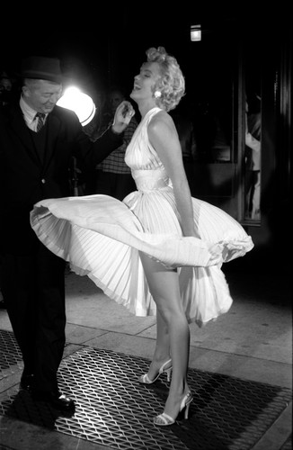 Marilyn Monroe and Billy Wilder (Seven साल Itch, The)