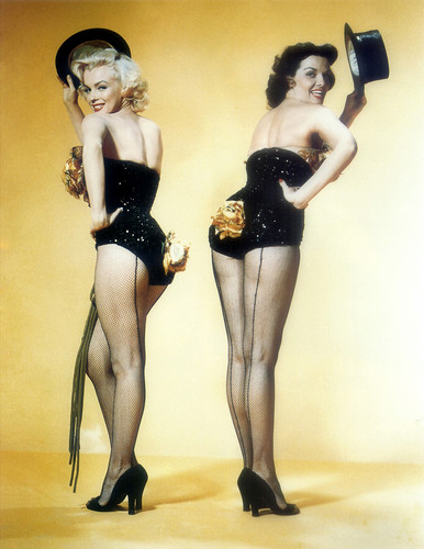 Marilyn Monroe and Jane Russell (Gentlemen Prefer Blondes)_01