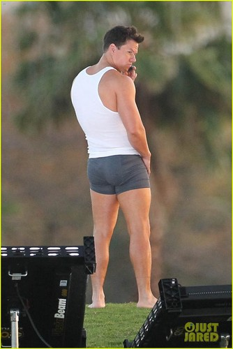 Mark Wahlberg In Underwear For 'Pain & Gain'