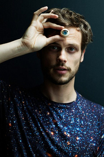 Matthew Gray Gubler wallpaper entitled Matthew Smoking Hot!!!