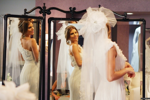 Naomi Clark achtergrond called Naomi - Bride and Prejudice (4x21)