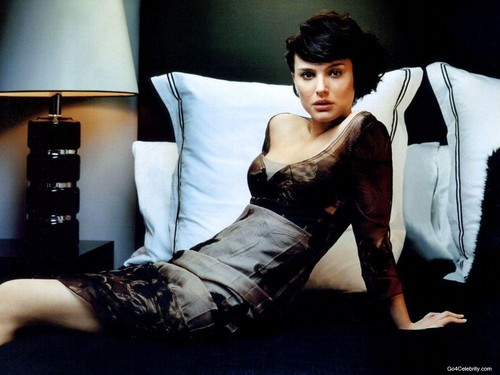 Natalie Portman wallpaper possibly containing hosiery, bare legs, and a hip boot titled Natalie Portman