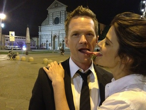 Neil and Cobie goof around in Florence, Italy - barney-and-robin Photo