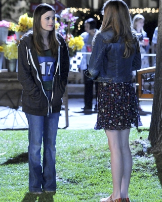 """New Hart Of Dixie stills 
