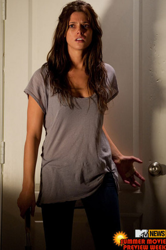 """New still of Ashley in """"The Apparition"""" (2012)"""