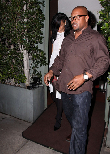 Night Out With Friends In Los Angeles [19 April 2012]